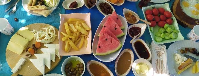 Çardak Restaurant is one of Locais curtidos por Michelin.