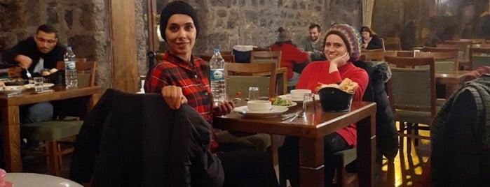 Puşki̇n Cafe&Restaurant is one of Özge.