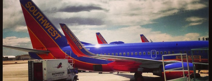 Albuquerque International Sunport (ABQ) is one of Top 100 U.S. Airports.