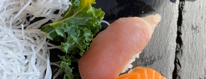 Tomi Sushi is one of Lugares guardados de Jason.