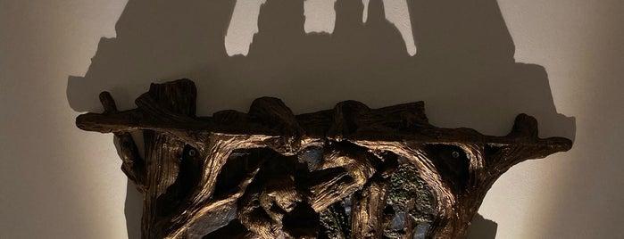Shadow Museum is one of Tempat yang Disukai Igor.