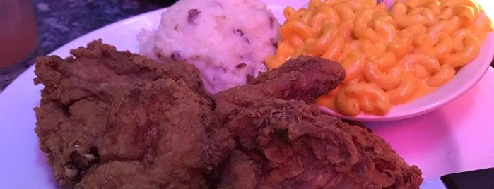 11th Street Diner is one of Posti che sono piaciuti a Alex.