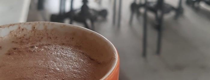 Fit Coffee is one of Tempat yang Disukai Serpil.