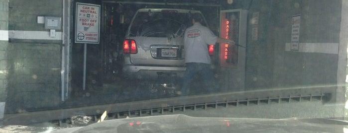 Balboa Car Wash is one of สถานที่ที่ Jay ถูกใจ.