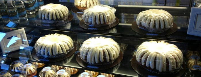 Nothing Bundt Cakes is one of Gespeicherte Orte von kiwi.