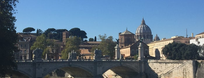 Ponte Sant'Angelo is one of Anitaさんのお気に入りスポット.