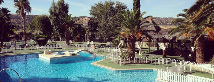 Hotel Beatriz is one of สถานที่ที่ Anita ถูกใจ.