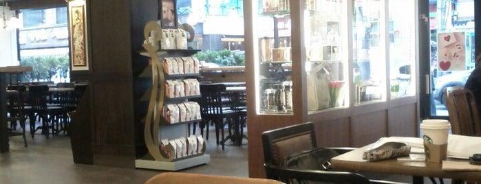 Starbucks is one of Lugares favoritos de Ben.
