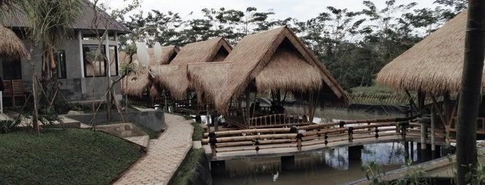 Gubug Makan Mang Engking is one of List Kuliner Jakarta.