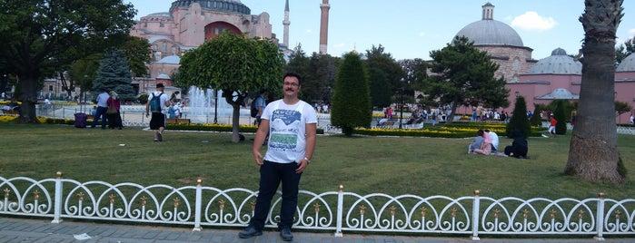 Sultanahmet Meydanı is one of สถานที่ที่ Erman ถูกใจ.
