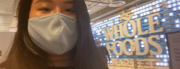 Whole Foods Market is one of Lieux qui ont plu à Jingyuan.