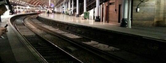 Platform 10 is one of Lieux qui ont plu à Andrew.