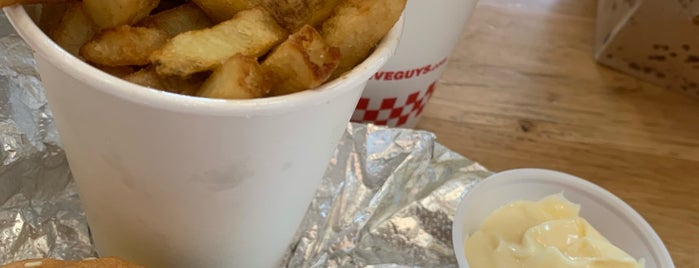 Five Guys is one of Tempat yang Disukai Emmanuel.
