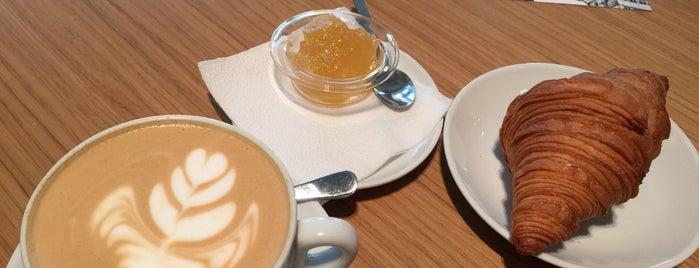 Double B Coffee & Tea is one of Московский список.