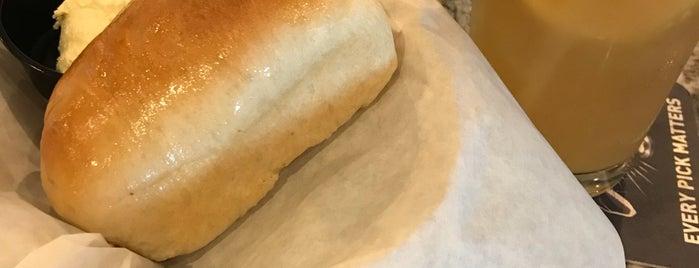 Bread & Butter Kitchen + Bakery is one of Donovan: сохраненные места.