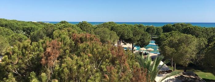 Robinson Club Nobilis Hotel is one of Posti che sono piaciuti a Fatih.