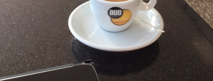 Duo Cafe is one of Orte, die Fernando gefallen.