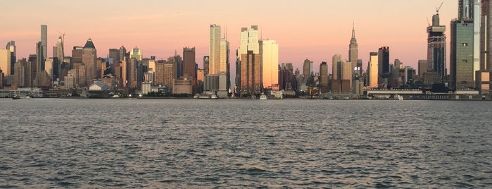 Weehawken Waterfront is one of Posti che sono piaciuti a Paco.