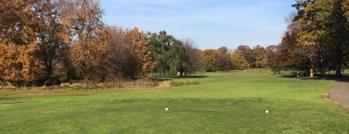 Hendricks Field Golf Course is one of Jerz.