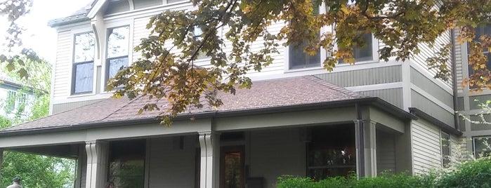 Frank Lloyd Wright Historic  District is one of Locais curtidos por Joyce.