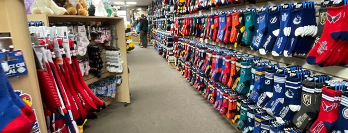 For Bare Feet is one of Freaker USA Stores Mountains.