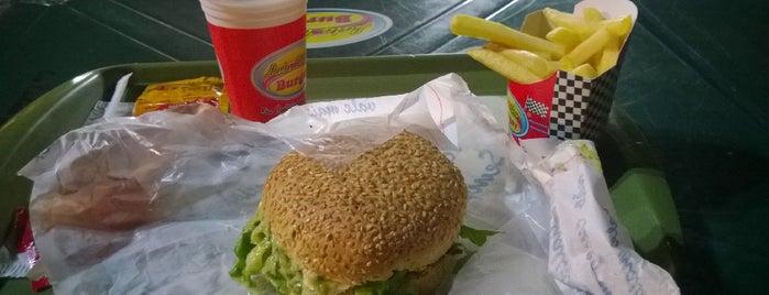 Lata Velha Burger is one of Cuiaba MT.