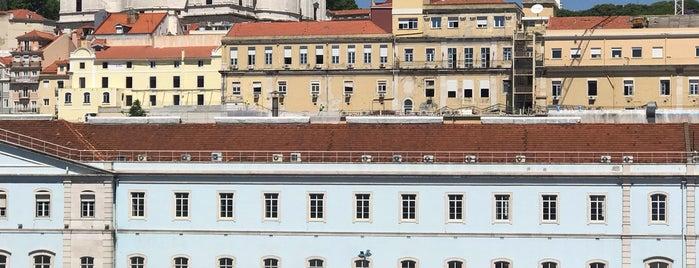 Santa Apolónia is one of Lisboa.