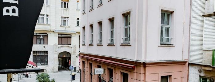 Budapest Heritage Guest House is one of Orte, die Balázs gefallen.