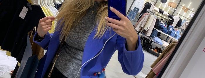 Zara is one of Lieux qui ont plu à Oksana.