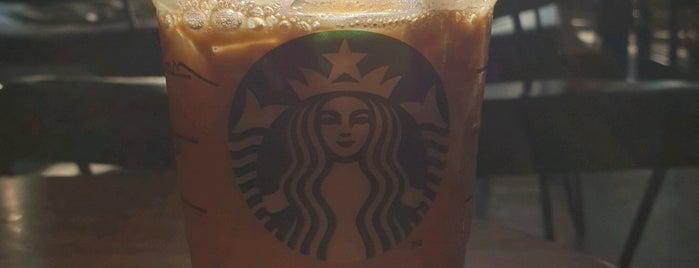Starbucks is one of Lugares favoritos de Sinan.