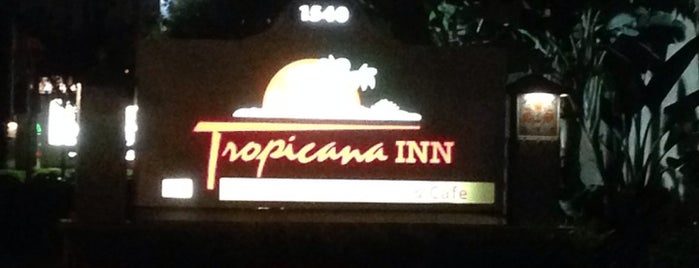 Tropicana Inn & Suites is one of Lugares favoritos de Carlos.