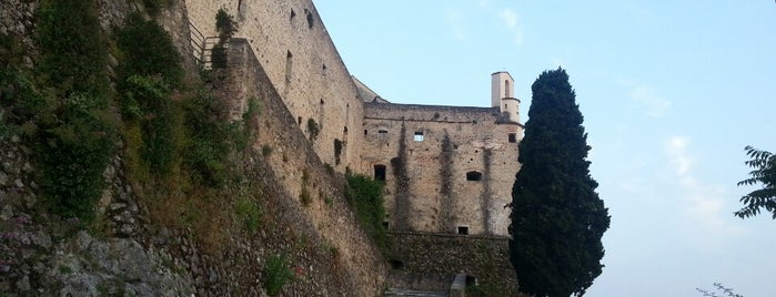 Castello Malaspina is one of Tuscany highlighs.