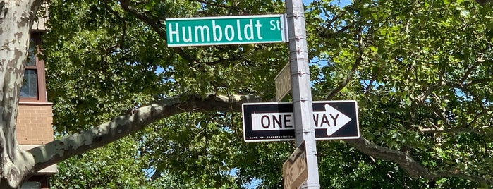 Humboldt Street is one of Kimmieさんのお気に入りスポット.