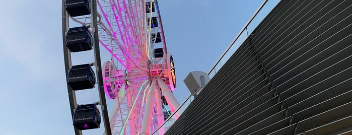 Centennial Wheel is one of Timさんのお気に入りスポット.