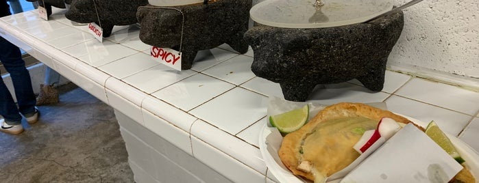 Los Tacos No. 1 is one of สถานที่ที่ K ถูกใจ.