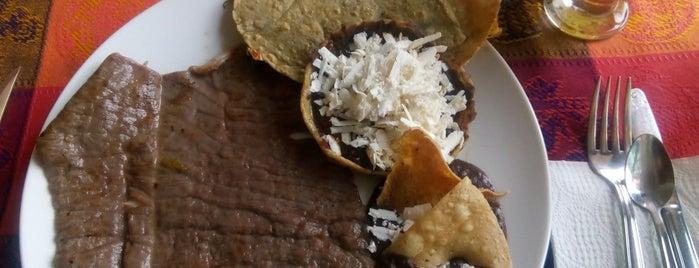 El Centzontli is one of Comer Pue.