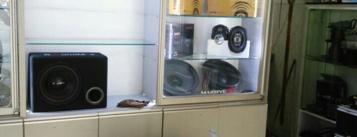 Audio Center Professinal Car Sound is one of Aliさんのお気に入りスポット.