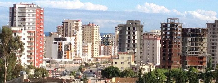 Üniversite Caddesi is one of Lugares favoritos de Sezgin.