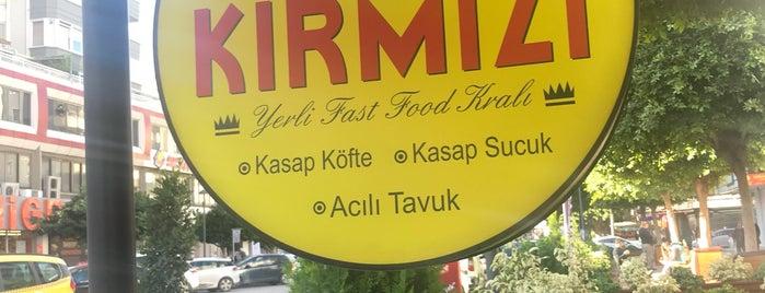 Kırmızı Cafe is one of Tempat yang Disukai Özge Kızal.