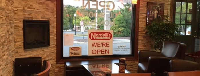 Nardelli's Grinder Shoppe is one of สถานที่ที่ Eric ถูกใจ.