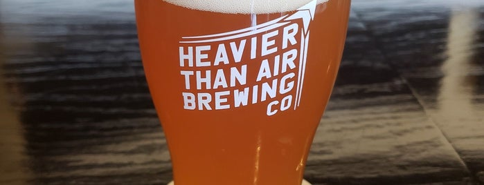 Heavier Than Air Brewing Company is one of Lieux qui ont plu à Tom.