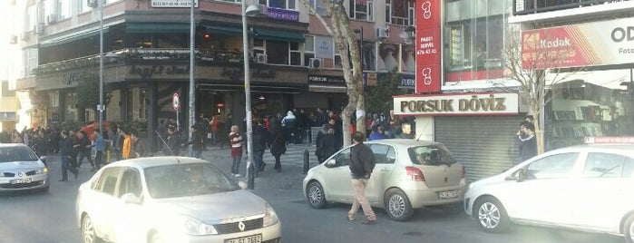 Avcılar Meydan is one of Posti che sono piaciuti a Pelin.