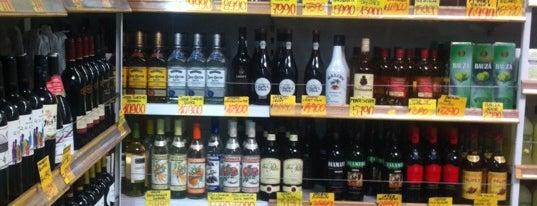 Supermercado Diez is one of Locais salvos de Joao Ricardo.