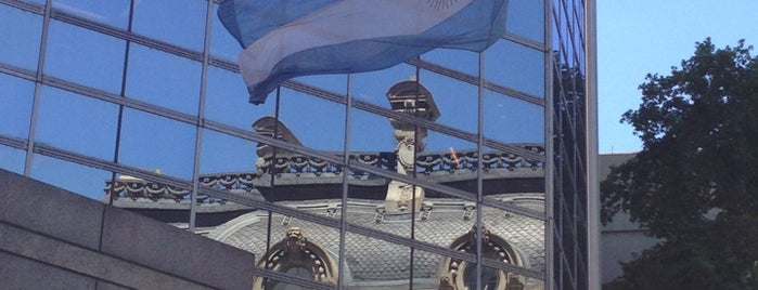 Ministerio de Relaciones Exteriores y Culto is one of Tempat yang Disukai Sabrina.