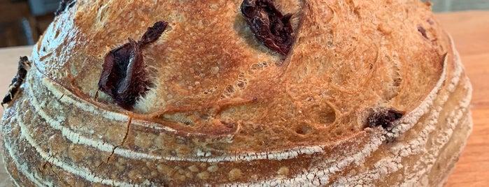 Duck Island Bread Company Artisan Bakery is one of Andy 님이 저장한 장소.