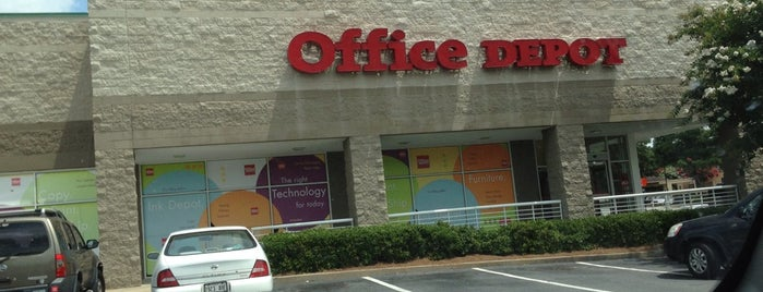 Office Depot is one of Lugares guardados de Holly.
