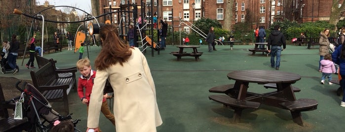 st luke's playground is one of Londres.