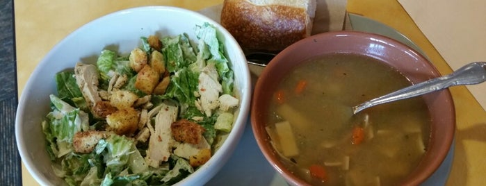Panera Bread is one of Eric Thomasさんのお気に入りスポット.
