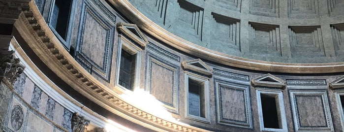 Pantheon is one of Roma Turisteo.