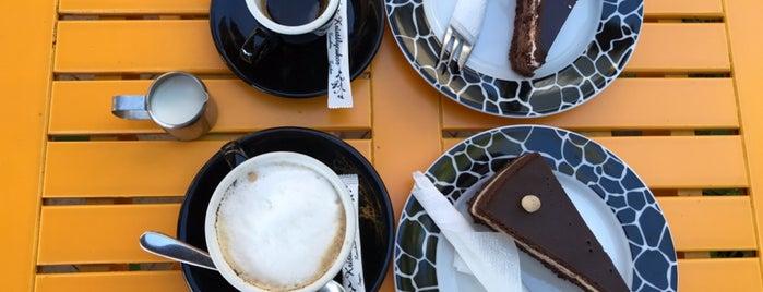 Lilipop Caffé is one of Lugares favoritos de Andrea.
